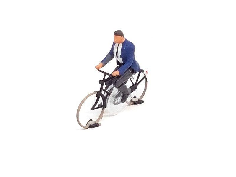 KKa-2 Cyclist man ready to run